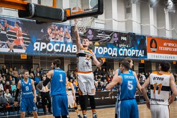 """""""Буревестник"""" vs. """"Новосибирск"""" 81:77"""